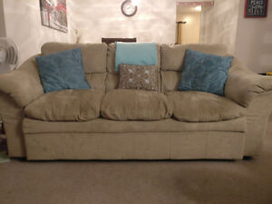 Comfy 3 seater  couch for sale