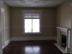 2 bedroom @ Dundas/Highbury, $800 plus electricity London Ontario image 1
