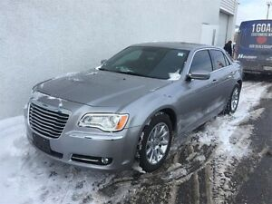 2013 Chrysler 300 Touring Peterborough Peterborough Area image 3