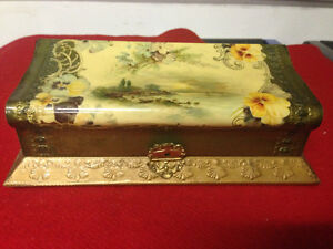ANTIQUE ORNATE FRENCH BOX WITH BRUSH AND MIRROR - PARKER PICKERS