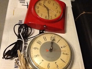 Collection of rare vintage kitchen electric clocks Windsor Region Ontario image 3