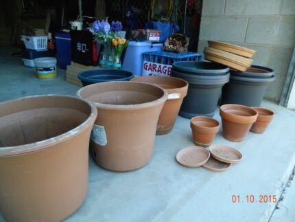 10 garden pots very good condition Yorkeys Knob Cairns City Preview