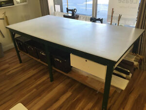 Professional Custom Cutting Table