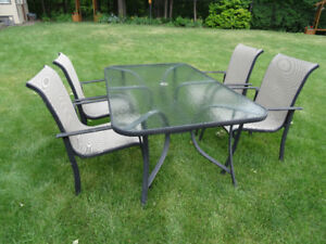 Great Outdoor Table With Chairs