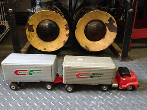 CF CONSOLIDATED FREIGHTWAYS 3 PC TIN TRUCK - PARKER PICKERS -