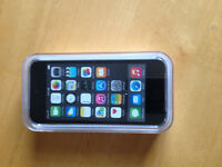 NEW iPod touch 16GB Gray