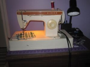 Singer 247 Sewing Machine