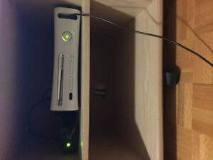 XBOX 360 Perfect Condition well working. Includes 15+ games.