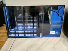 """Samsung smart TV 55"""" smashed"""