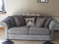 Stunning Chesterfield two seater sofa!