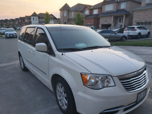 2013 Chyrsler Town and Country
