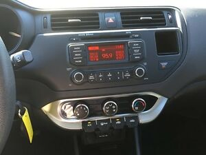 2013 KIA RIO LX * BLUETOOTH * LOW KM * LIKE NEW London Ontario image 17