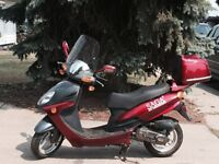 2011 benzou moped in excellent condition