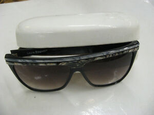 Laura Biagiotti   Model P25 - 260L Sunglasses Made in italy