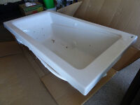 NEW IN BOX JET BATH TUB