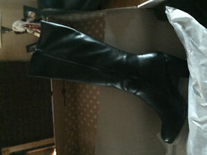 For sale ladies tall black boots