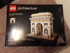 Lego Architecture Set - Arc de Triomphe, Paris, France
