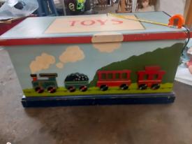 Vintage antique toy chest/trunk storage