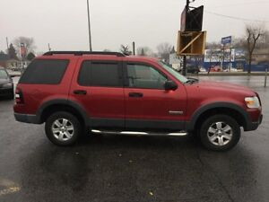 Ford Explorer XLT 4WD-4.0L-CUIR-7 PASSAGERS 2006