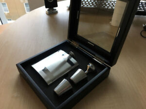 Men's Christmas/Birthday Gift Steel Flask Glass Box Set