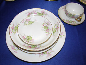WM Guerin Limoges Large set of Dinnerware for 12 settings people Kingston Kingston Area image 6
