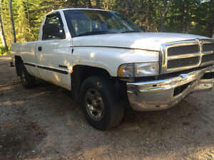 Parting out a 1994, 1999 and a 2001 dodge truck