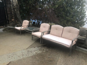 Patio / Lawn furniture - good shape