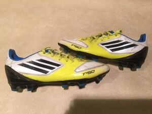Kids Adidas F10 Outdoor Soccer Shoes Size 3.5 London Ontario image 4