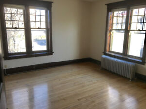 Huge, Huge Suite Available Just Off Of Corydon!!!