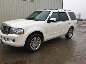 2011 Lincoln Navigator in Mint Cond