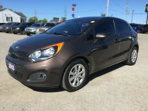 2013 KIA RIO LX * BLUETOOTH * LOW KM * LIKE NEW London Ontario image 2