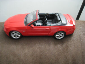 1 18  Diecast Toy Car Maisto 2010 Ford Mustang GT Model Red