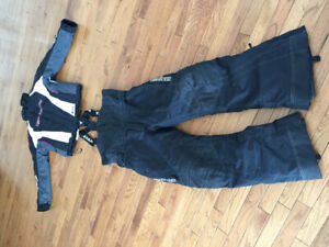 Women's Yamaha snow suit two piece