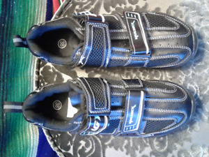 NEW(i think)..Cycling Shoes, BLACK and size 38