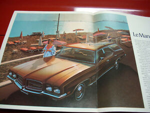 1971 Pontiac wagons sales brochure Peterborough Peterborough Area image 3