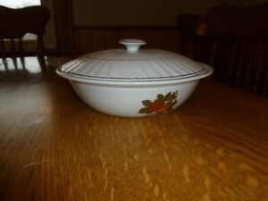 Enoch Wedgewood English Harvest Vegetable Bowl with Lid