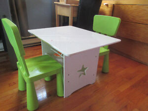 Table et cheval bercant