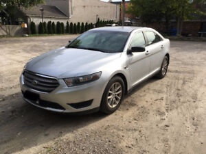 Ford Taurus 9500 $ 2013 Silver non-applicable taxes