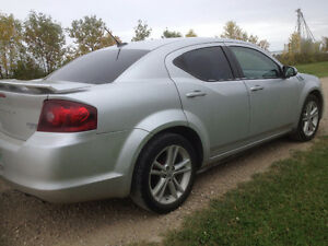 2011 Dodge Avenger Excellent running low Km car