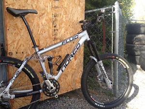 Norco Fluid full suspension mountain bike