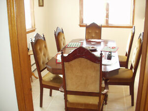 Diningroom table and sideboard table
