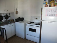 A furnished big room $380/month, incl.1 min to metro Lasalle