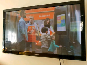 """TV's 50"""" Samsung + Wall Mount moving sale"""