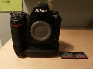 Nikon D700+grip+2 cartes+2 batteries