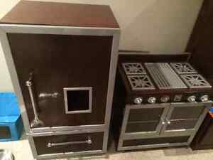 Deluxe High End Pottery Barn Kids Kitchen & PB Accessories London Ontario image 9