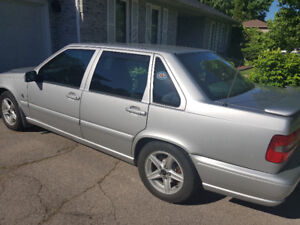 One owner 2000 Volvo S70 with Low ks