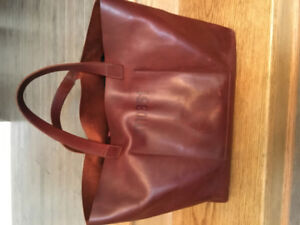 M0851 100% Leather Tote