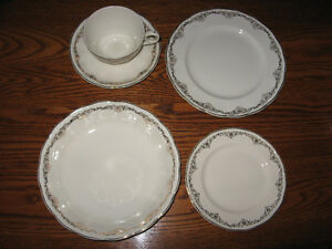 "Grindley England ""Creampetal"" dishes"