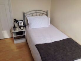 5 rooms available in same house West Acton, 4 bathrooms,2 kitchens. All Bills and wifi included.