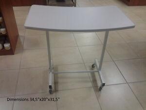 NEUVE! Table de manucure simple /Simple manicure table NEW!